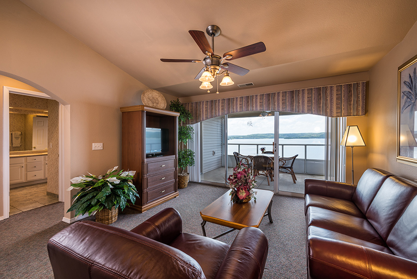 Westgate-Branson-Lakes-Living-Room-and-Balcony