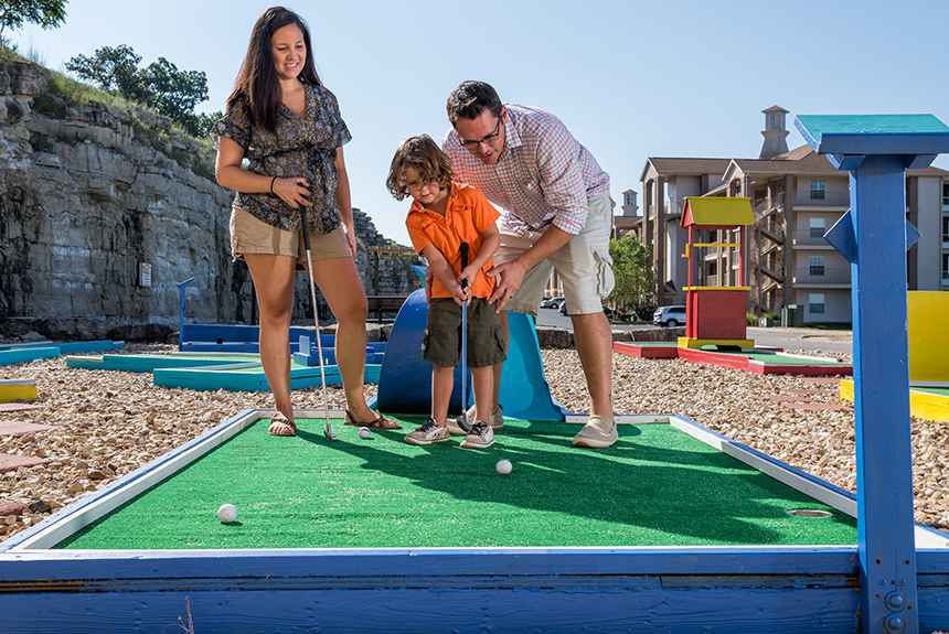 Westgate-Branson-Lakes-Mini-Golf