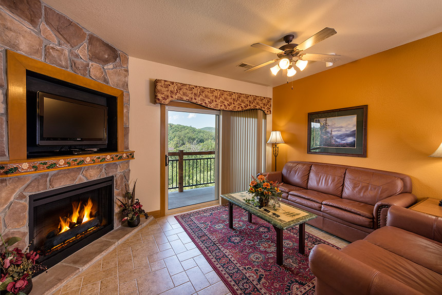 Westgate-Branson-Woods-Living-Room-with-Balcony