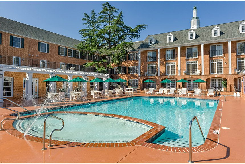 Westgate-Historic-Williamsburg-Pool-and-Jacuzzi