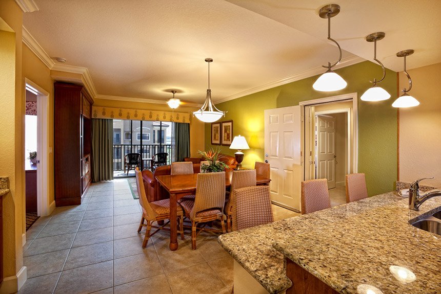 Westgate-Lakes-Dining-Room