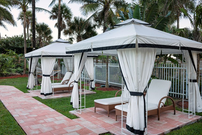 Westgate-South-Beach-Cabanas