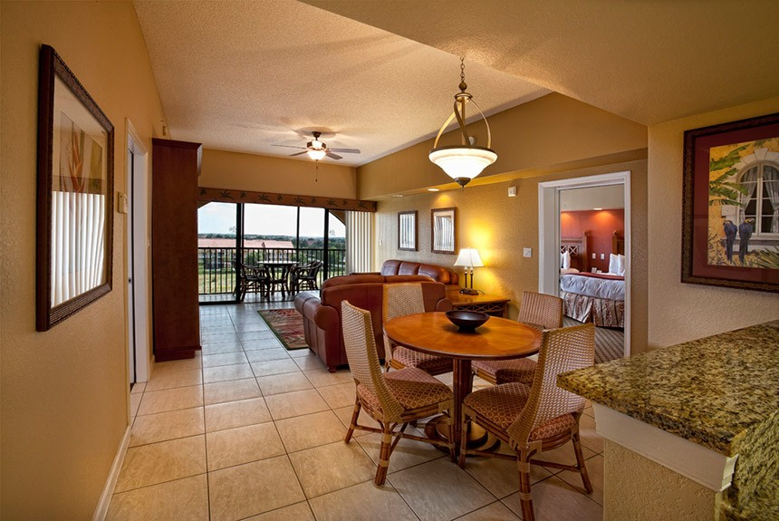 Westgate-Towers-Dining-and-Living-Room