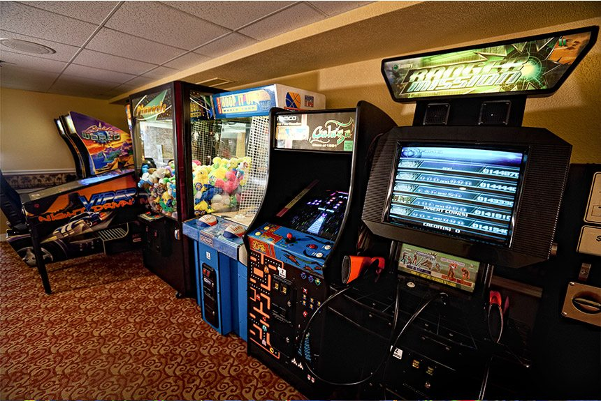 Westgate-Towers-Game-Room