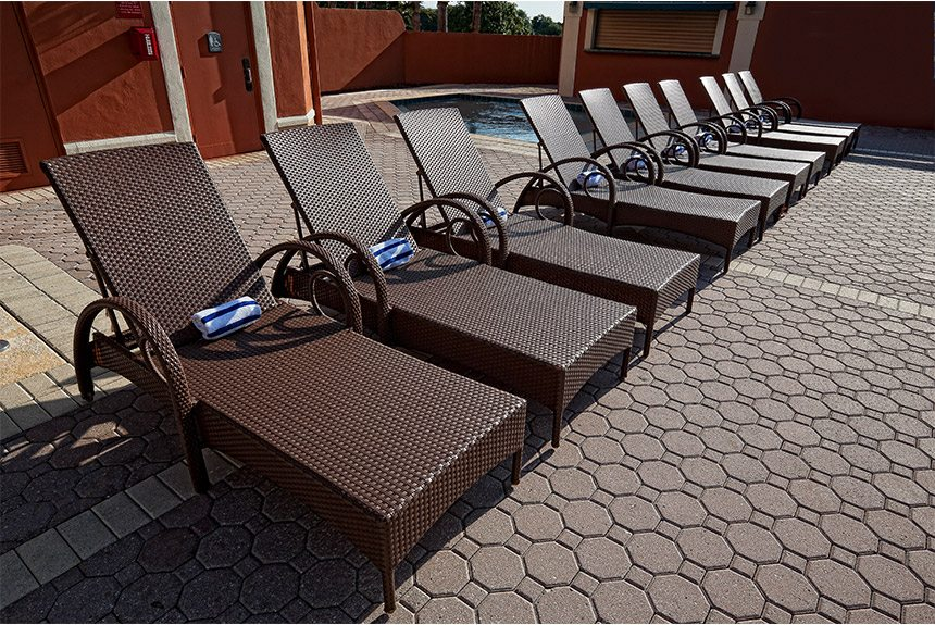 Westgate-Towers-Poolside-Lounge-Chairs