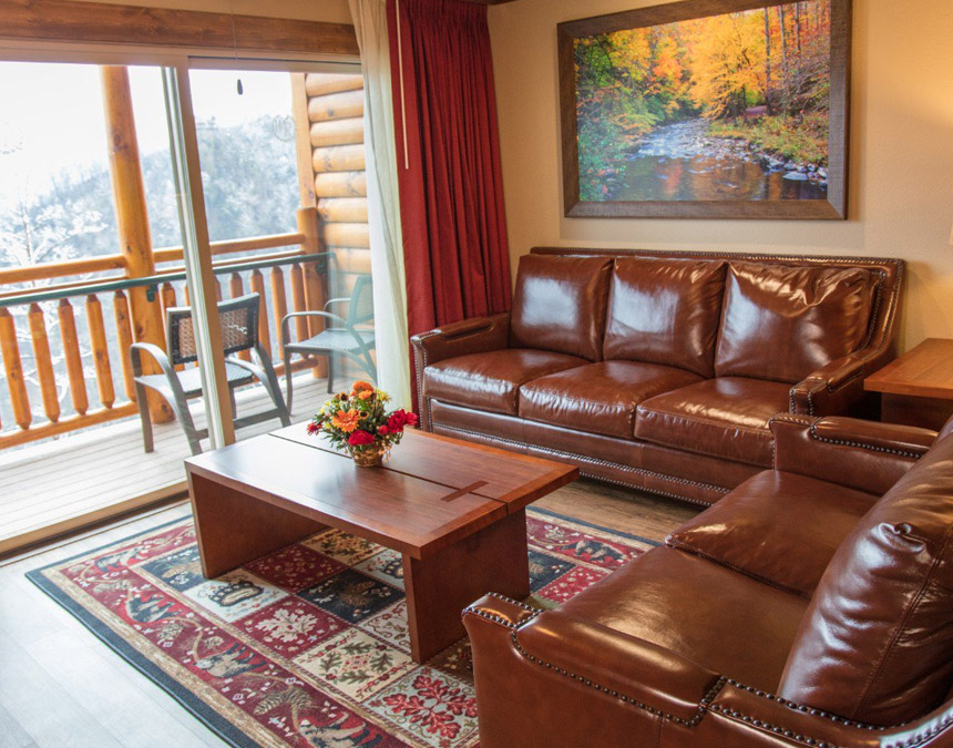 westgate-smoky-mountain-one-bedroom-deluxe-accessible-livingroom