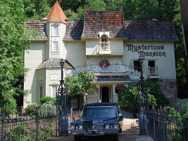 Mysterious Mansion of Gatlinburg | Things to Do in Gatlinburg | Gatlinburg Do List