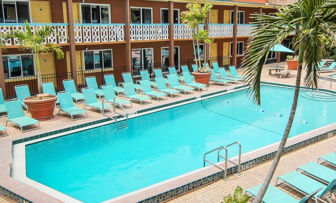 Pools wakulla suites cocoa beach