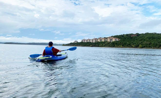 Explore the lake with boat and kayak rentals