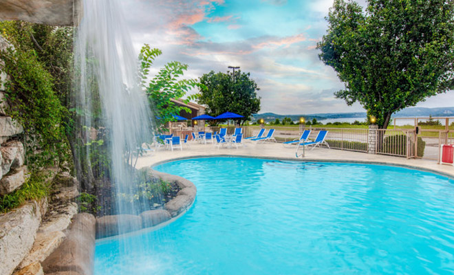 Piscinas en Branson Lakes Resort