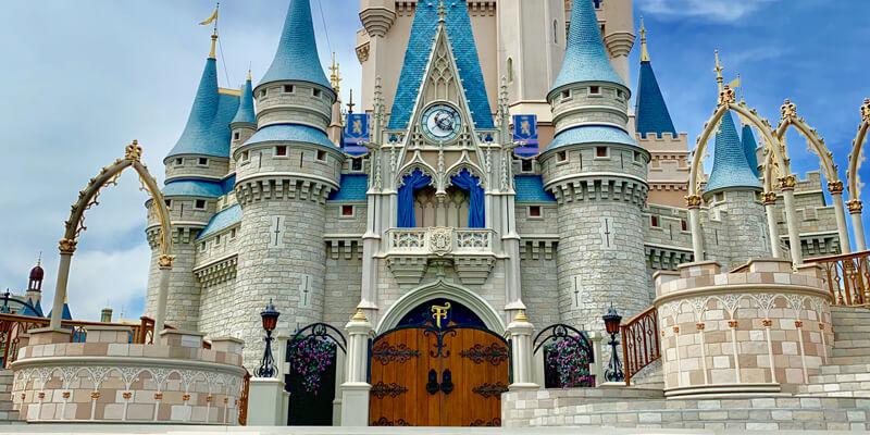 Magic Kingdom - Entertainment - Cinderella Castle Stage