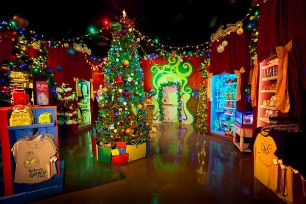 Universal Orlando Christmas Store