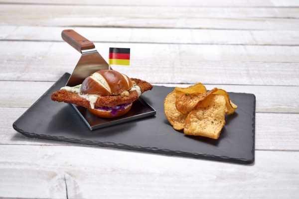 Universal Orlando Mardi Gras German Dish