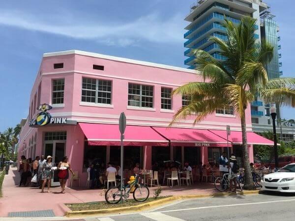 big pink restaurant in miami